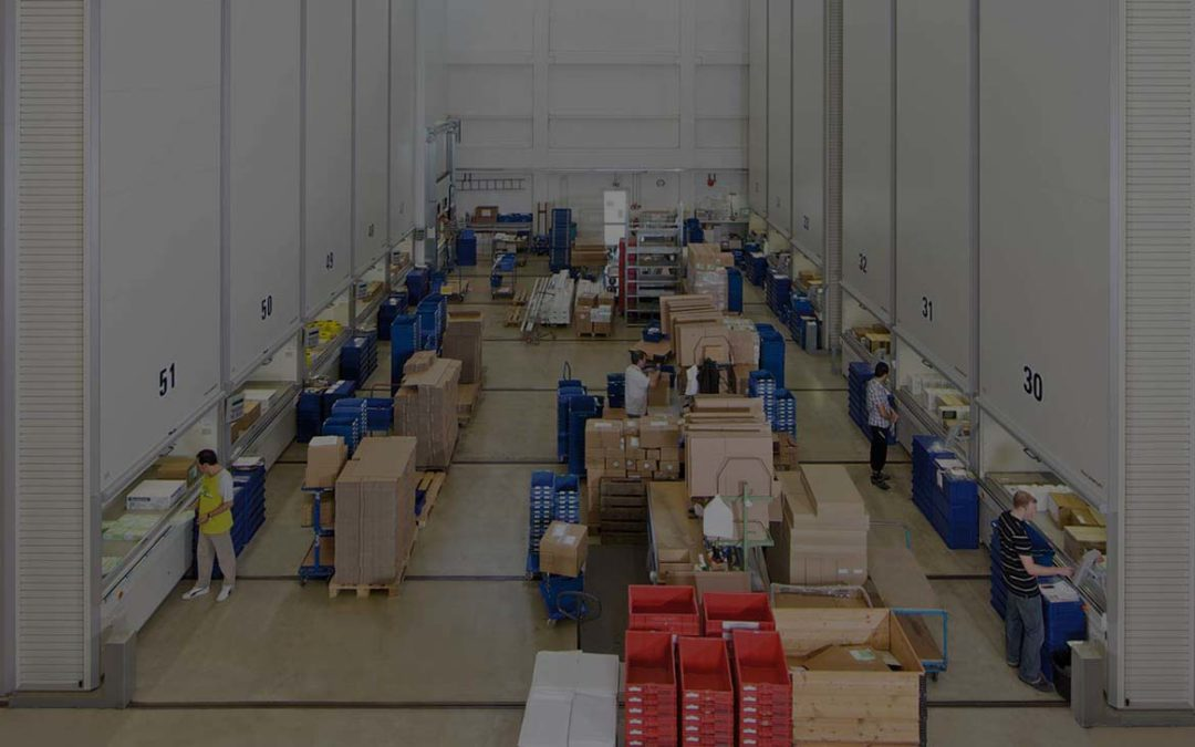 Benefits of Having an Industrial Vertical Storage Lift in Vertical Warehouse & Manufacturing Spaces